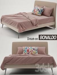 Bonaldo Dream on bed
